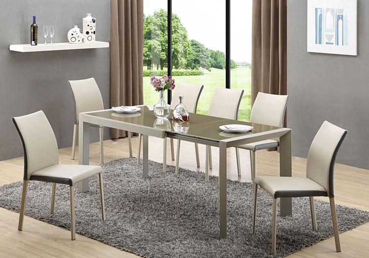 rozkładany stół do salonu w komplecie z krzesłami