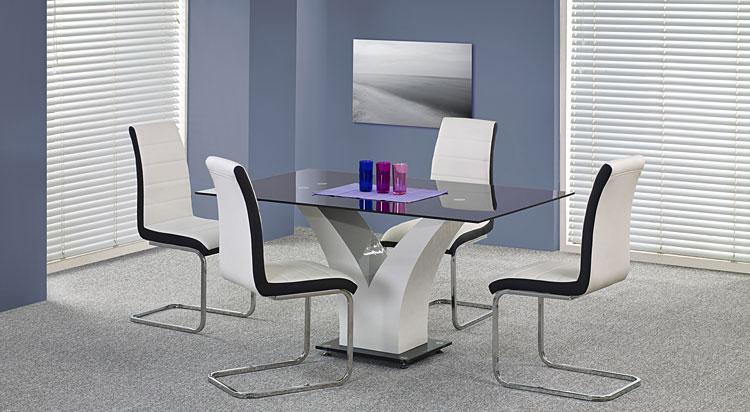 gdzie najlepiej ustawić stół w domowym salonie