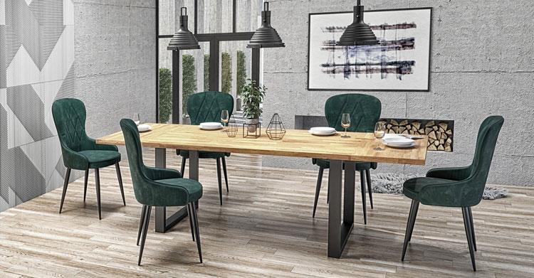 rozkładany stół industrialny z drewnianym blatem w pokoju dziennym