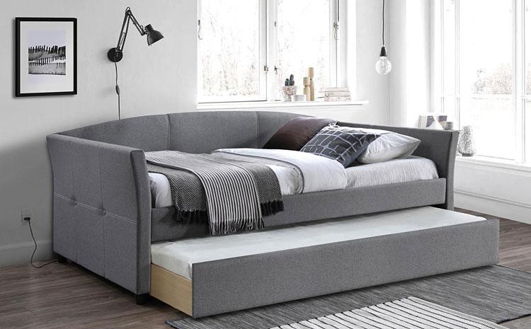 podwójne szare łóżko z wysuwanym stelażem