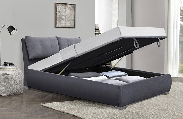 łóżko z pojemnikiem na pościel w sypialni