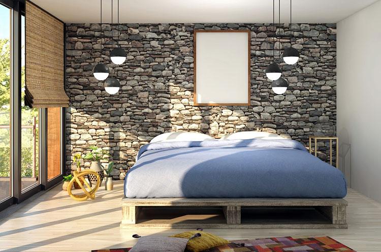 aranżacja sypialni z wykorzystaniem fototapety na ścianie za łóżkiem